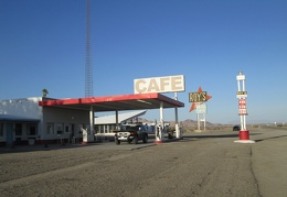 I fill up on gas at the Amboy Café on old Route 66