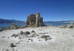 Day 2: Let's go for a drive around Mono Lake!