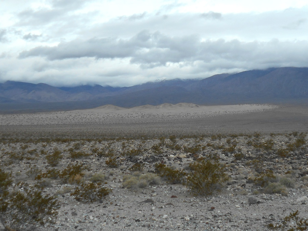 Near the end of the road, I can zoom in to the Panamint Dunes a few miles away