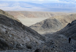 We arrive at the old Modoc Mine site, with views across to the Panamint Mountains