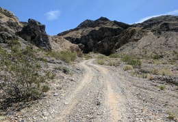 I drive up Steel Pass Road and park at Dedeckera Canyon to start my hike