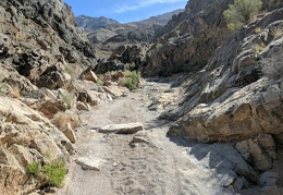 I start my hike by walking through the Dedeckera Canyon narrows